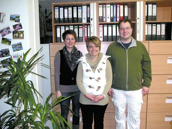 Die Sozialstation Hessisches Neckartal ist von Neckarsteinach nach Hirschhorn umgezogen. v.l. Corinna Herbig, Tamara Ackermann, Marcus Dunkel. Foto: Huillier